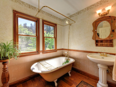 Colfax ranch for sale country home bathroom room