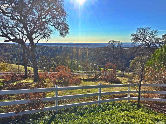 auburn horse property for sale