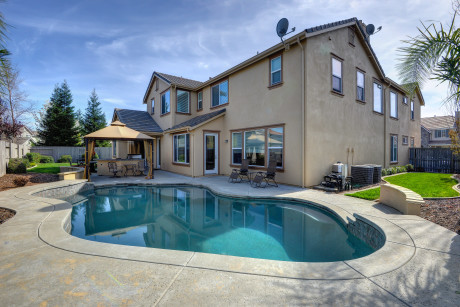 Roseville CA home for sale 4656 Cattalo Way Pool